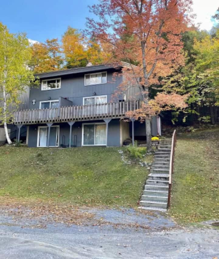 Spacious 5br Stratton Mt. condo with Fireplace!