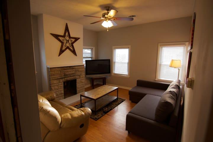 Best Apartment in the City's Coolest Neighborhood! - Louisville - Huoneisto