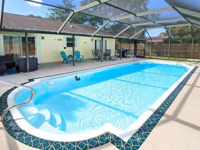 Lovely Pool Home close to the Beaches