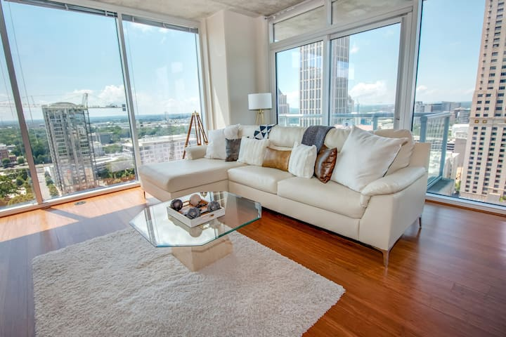 Penthouse Lifestyle Midtown Atlanta 2BR w Views