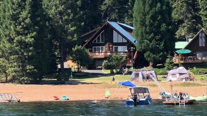 LOCATION-LOCATION! Autumn Dreams, Lakefront Home