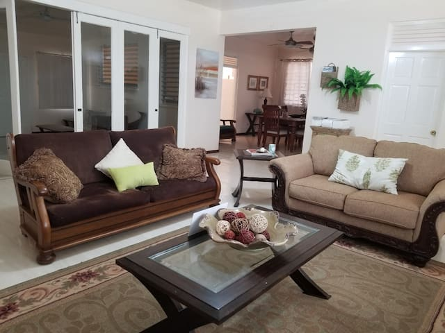 Luxury Modern Home W/ Access To Puerto Seco Beach