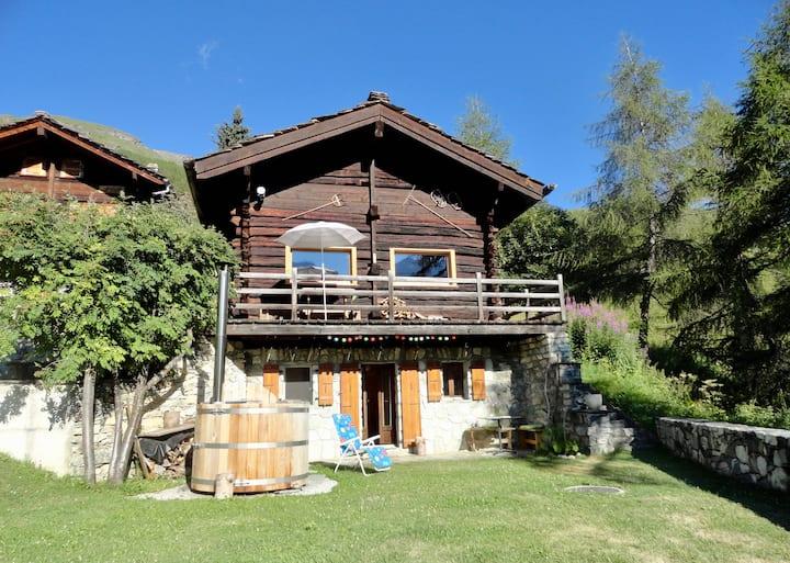 Chambre dans mayen d'alpage, val d'Hérens/Valais