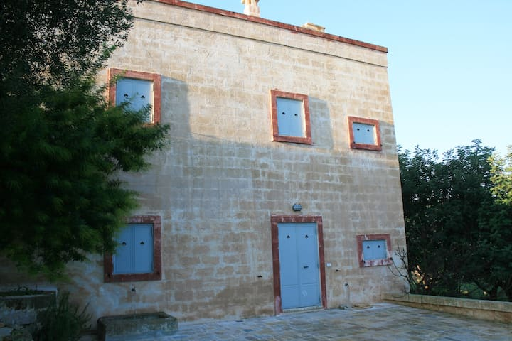 San Virgilio in Puglia: apartment with garden.