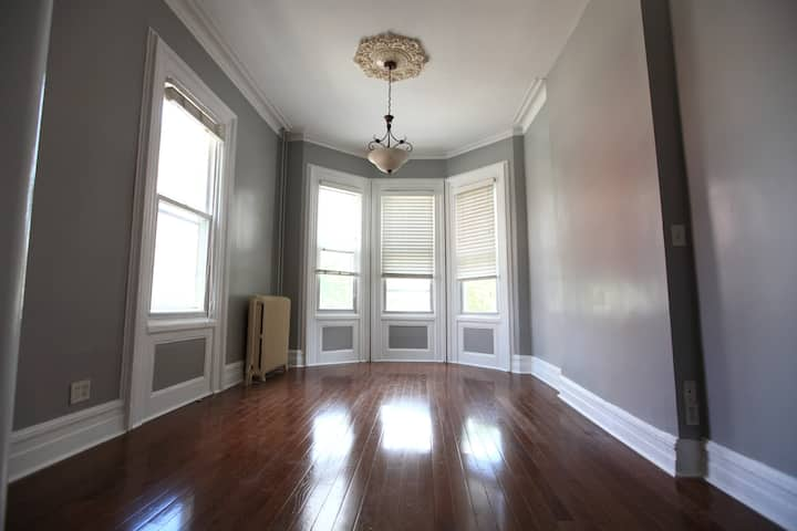 Newly renovated 3b2b Apt in Jersey City Downtown