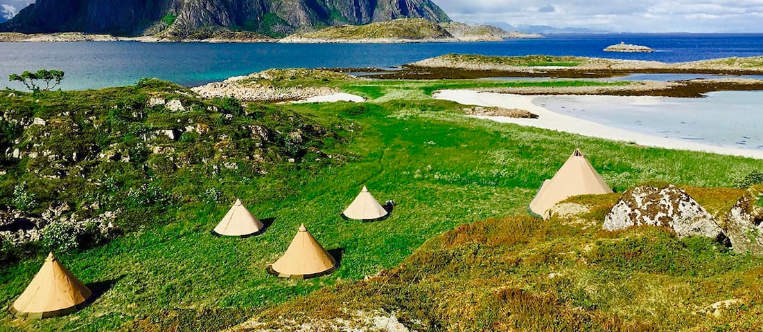 Lofoten Beach Glamping - Double Tent