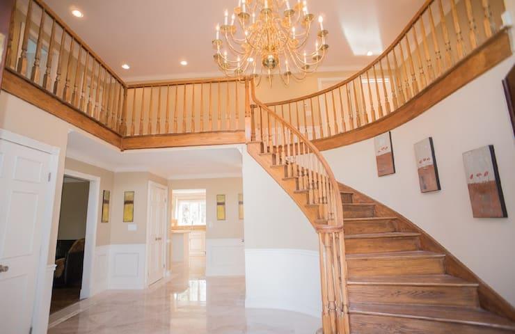 Escape Shore/Hamptons; Luxury Executive Estate - Easton - Casa