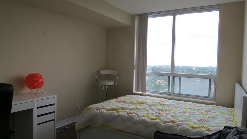 One-bedroom in an Apartment 3min walk to Subway