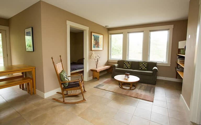 Yellow Birch Suite in Juniper Lodge