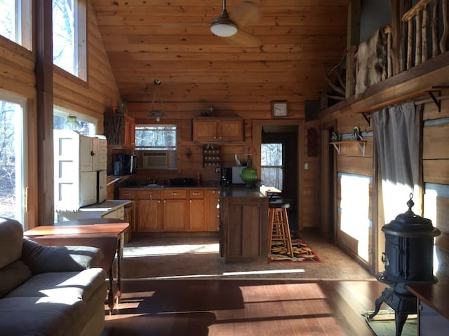 Grandpa's Cabin at Heidenreich Hollow - Martinsville - Stuga