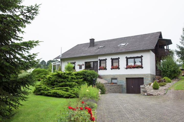 Idyllically located holiday home between the Moselle and the Eifel.