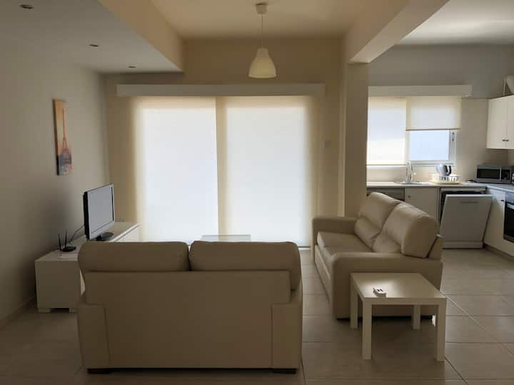 Fully furnised City Center Flat Modern apartment close to all amenities including groceries pharmacies cafes shops and local restaurants. The apartment has an open plan kitchen and living and study area  a double bedroom bed a nice bathroom and a 2 balcon