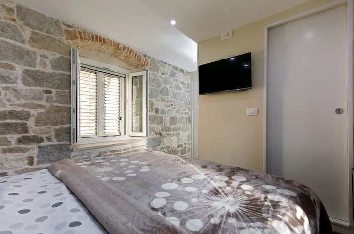 Luxury and authentic room in old town