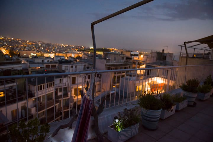 Scenic View Loft in Kolonaki, Under Lycabetus Hill - Athina - Loft