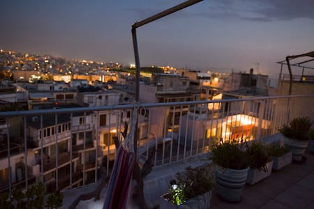 Scenic View Loft in Kolonaki, Under Lycabetus Hill - Athina