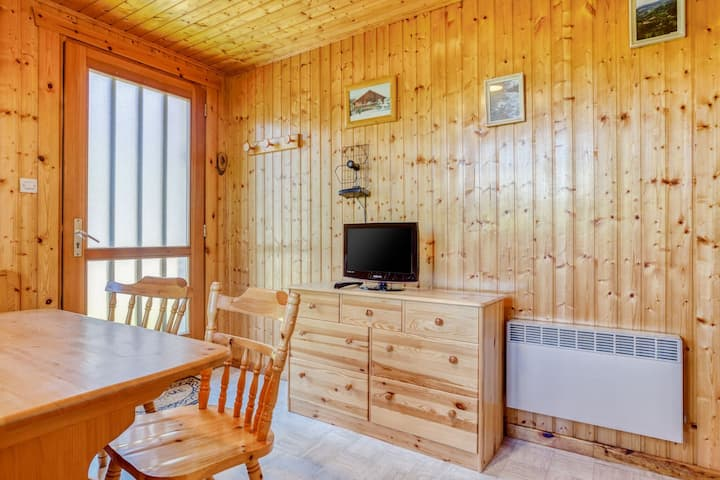Ground-floor home in authentic chalet in a unique location near the pistes in the Vosges