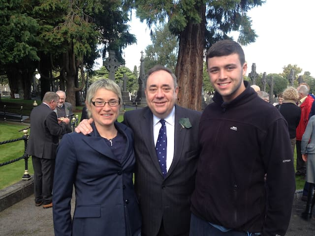 Mary & Daire meet Alex Salmond