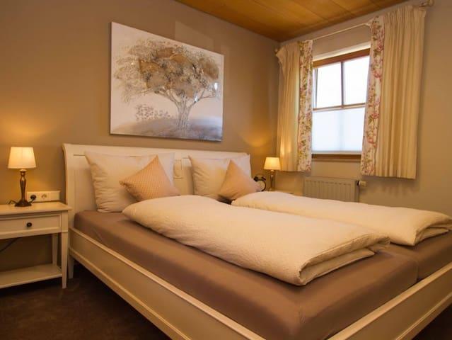 Gästehaus Trostelhof, (Salem), Ferienwohnung 1, 78 qm, 2 Schlafzimmer, max. 4 Personen