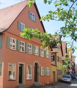 Gemütliche Wohnung in Altstadthaus - Dinkelsbühl - Daire