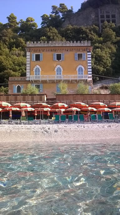 The building of Solemare from the beach