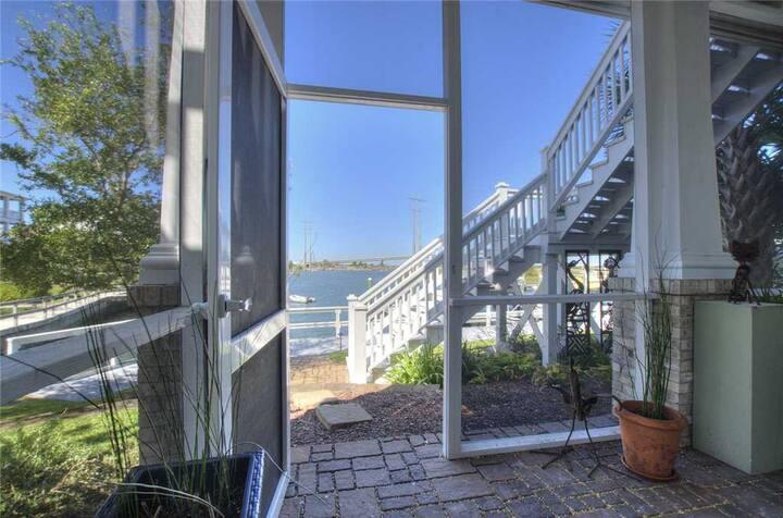 Bridgeview on Broad (Studio Apartment)