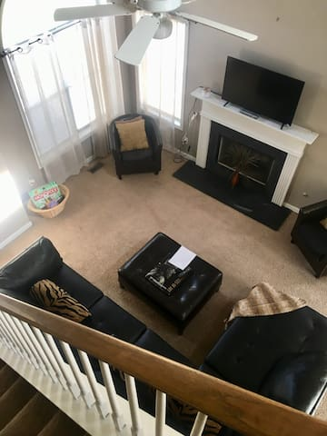Comfy & Cozy Home 13.mi from downtown ATL