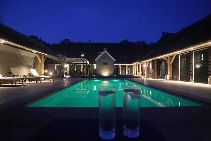 LUXERIJ Wellness Villa Familyhouse