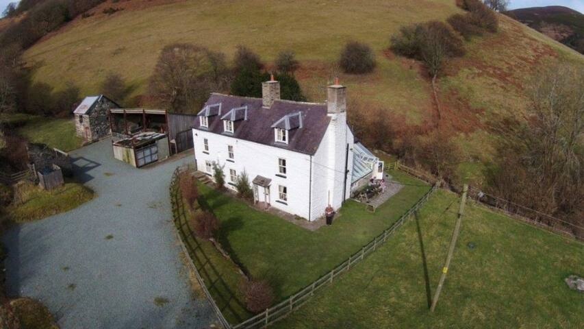 Cymmo Farm Accommodation and Vintage events.