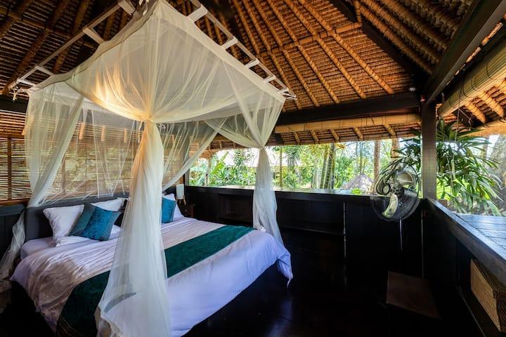 "Peaceful Villa ""Jasmine"" in Ubud South w breakfast"