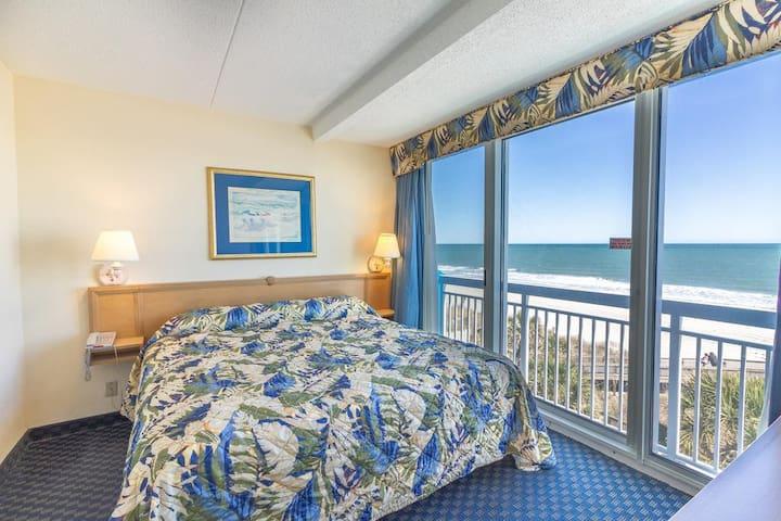 Monthly rental - Oceanfront 1 br + Bunk Nook