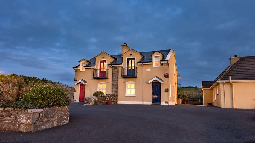 Atlantic View Cottages (No. 8)