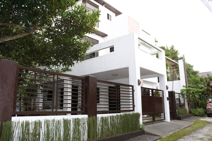 Casa Purisima Spacious  4BR home nr Lourdes Church