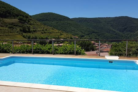 Room in a villa with pool top of village - Saint-Rome-de-Tarn - 別墅