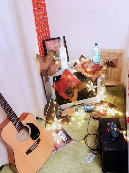 卧室一角a corner in the room