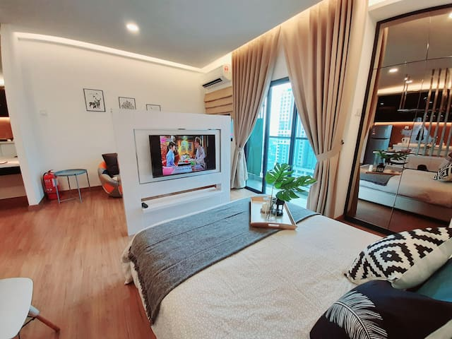 Symphony Tower Studio with WIFI near AMERIN Mall