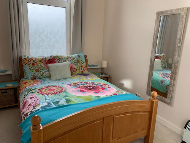 Spacious Double Room with EU Breakfast near Beach