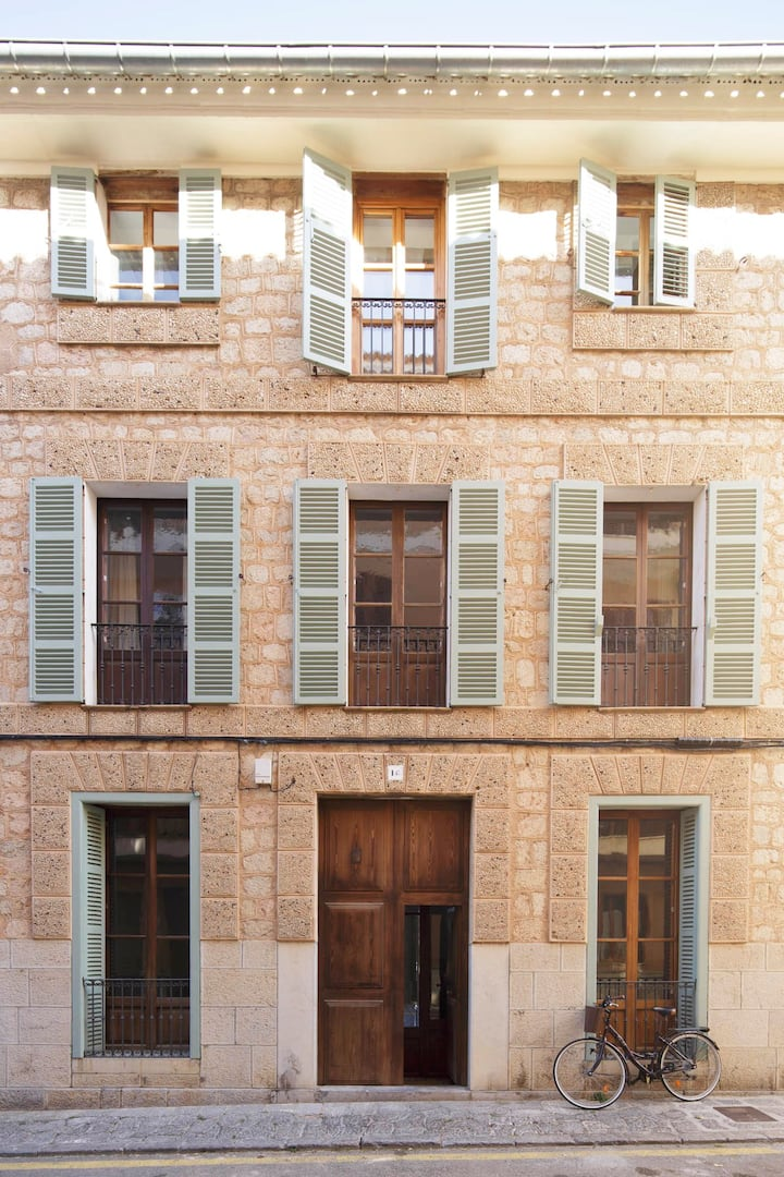 Can Padassot, Large Stunning Townhouse in Soller