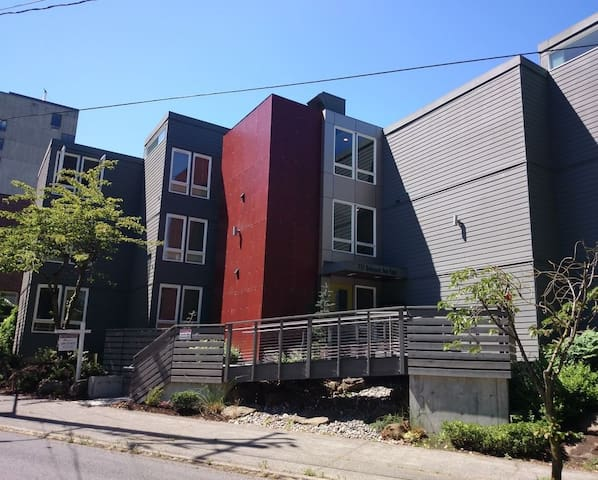 Sunny, Central - Capitol Hill! - Seattle - Apartment