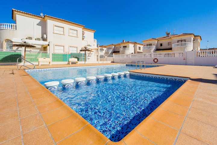 Duplex with two bedrooms for rent in a nice complex with communual swimming pool!