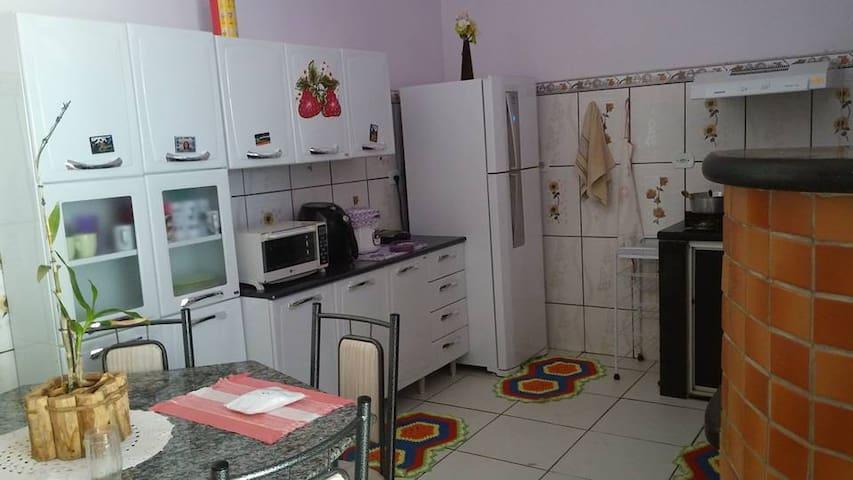 Espaço Bom Acesso e familiar - Ouro Preto do Oeste - Dům