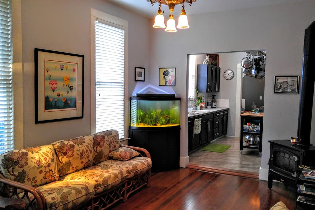 The vic room 2b flats for rent in portland oregon for Fish tank fireplace