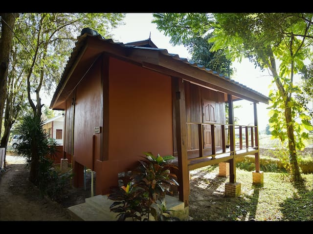 The Wes Village, Chiangdo (Dawan bungalow) - Chiang Dao - Bed & Breakfast