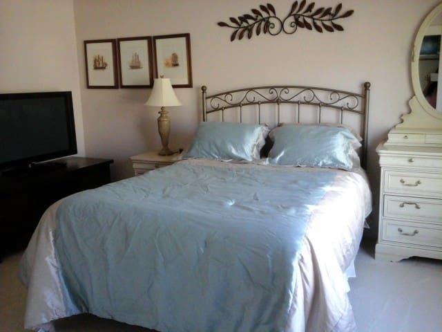 1500/mo.Private Room+TV+Refrigerator. 2mo min stay