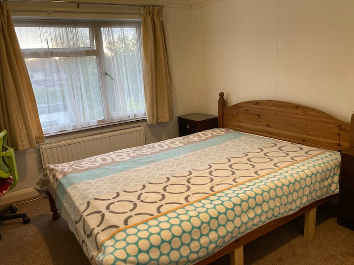 Comfortable big room in Marston