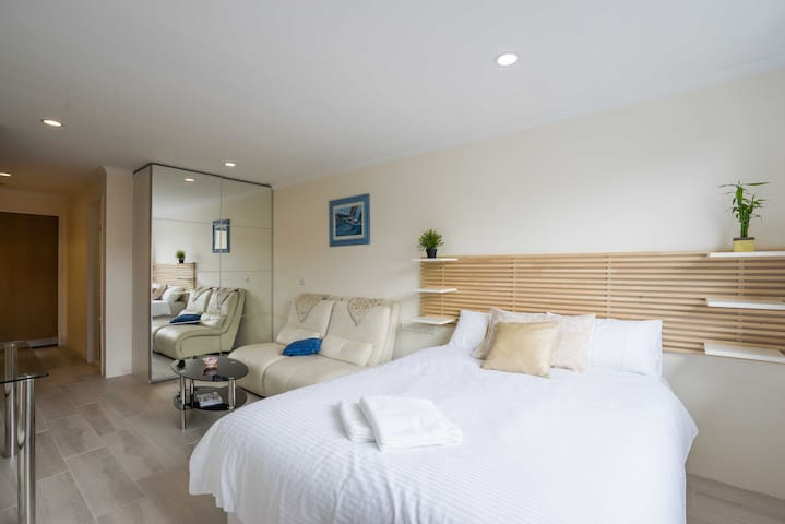 Exquisite Studio in the Heart of Manly - Manly - Departamento