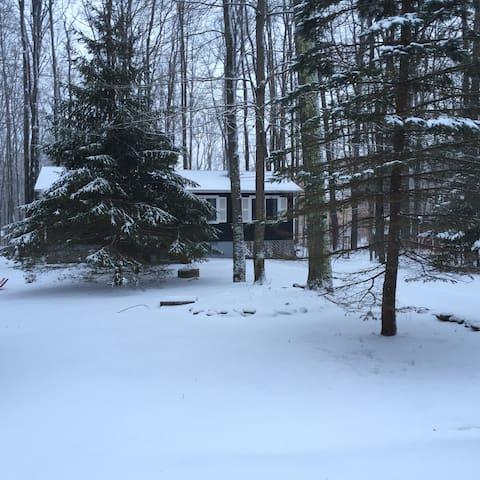 Tranquility Cottage @ Arrowhead Lake ~ Ski & Tube!