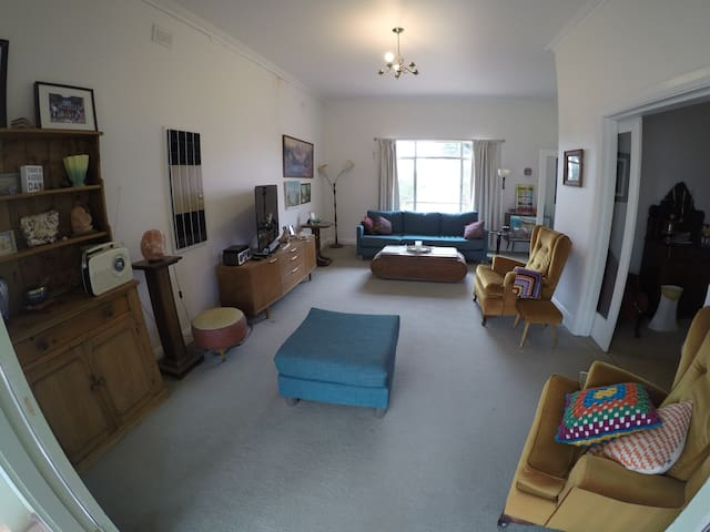 Greenedge House - SB 2 (weekly rates available)