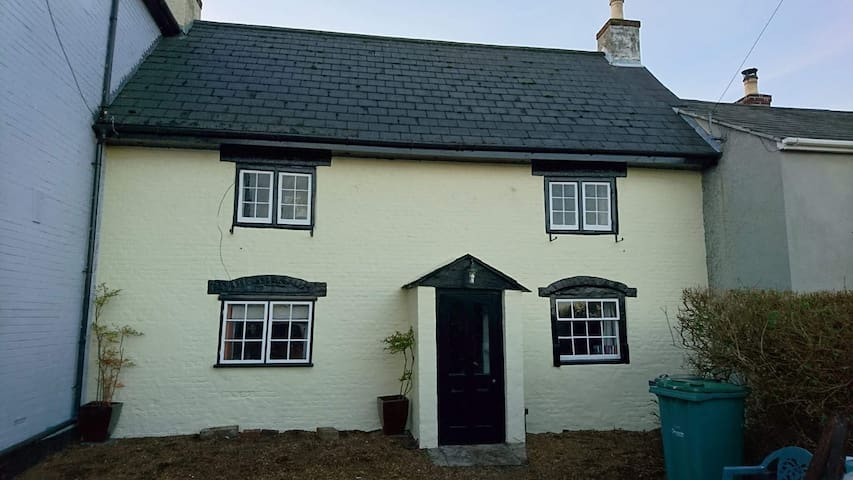 1710 cottage in Rookley, Isle of Wight - 벤트너 - 단독주택