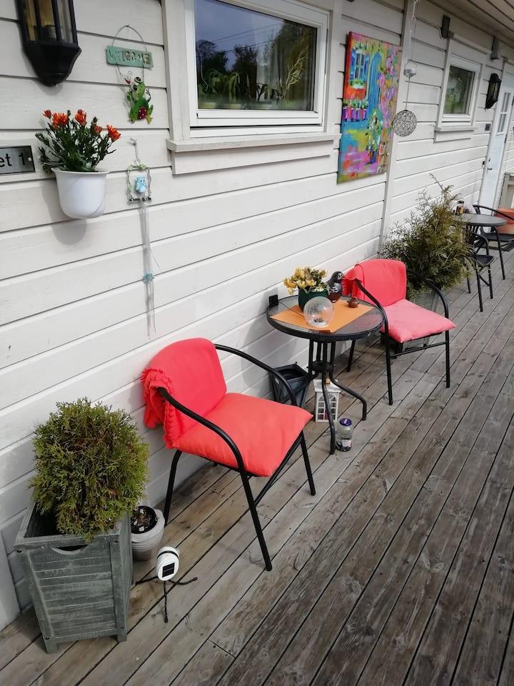 Rolig sentrumsnær bolig i Grimstad