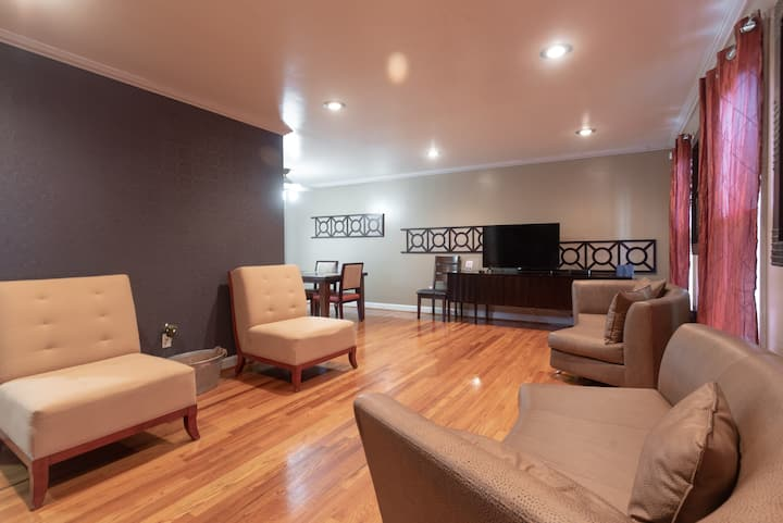 Spacious Oasis Close to the Nation's Capital